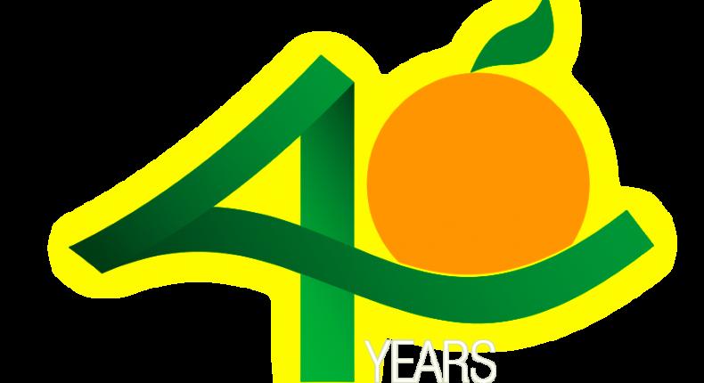 Selo-40-Anos-Fundecitrus_INGLÊS-08